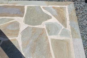 Kamenná dlažba / obklad 20-50 cm Green, šlapáky do betonu