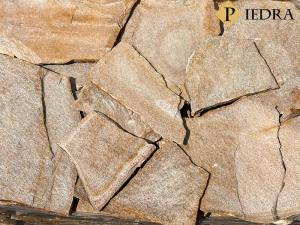 Kamenná dlažba / obklad 20-50 cm Yellow dark, šlapáky do betonu